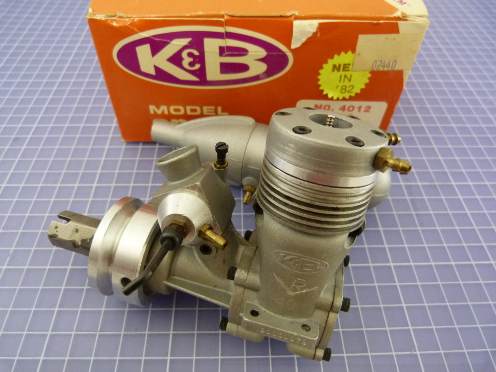 K&B 40 R/C Sport Marine with K&B Carb., Muffler counter rotation