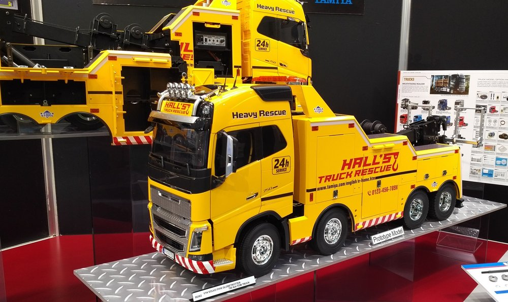1:14 RC Volvo FH16 Abschlepper 8x4